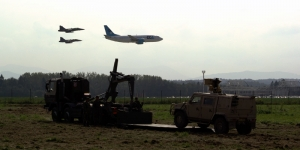 Gripeny nutí Boeing 737 k přistávání